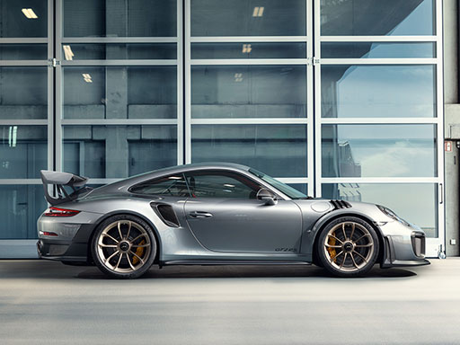 Unyielding. The new 911 GT2 RS.